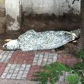 Dead body found at Banjara Hills footpath in Hyderabad