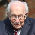 Britain Covid Hero Tom Moore Died with Corona on 100