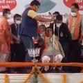 Gujarath CM Faints on Stage