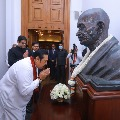 Sri Lankan prime minister Mahinda Rajapaksa pays tributes to Mahatma Gandhi on his birth anniversary