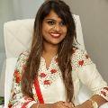 Kathi Karthika complains to police on threatens