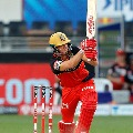 AB de Velliers finishes the match with a huge six