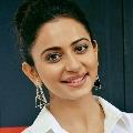 Rakul Preeth Sing eyes on Bollywood