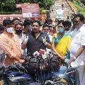 Budda Venkanna visits Kankadurga temple silver chariot and fired on minister vellampalli and temple eo