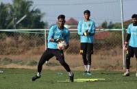 Hyderabad, Chennaiyin battle for three vital points