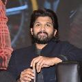 Allu Arjun donates twenty lakhs for Tollywood cine workers