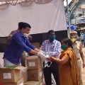 Dilraju Distributed protective masks and sanitizers to the police department