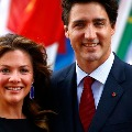 canada prime minister wife suffering with corono