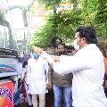 Actor Manchu Manoj Runs Two buses for Migrant workers