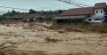 Thousands caught in floods in Indonesia capital