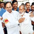 KCR Gets emotional after seeing old friend