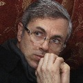 Centre lifts house detention on Omar Abdullah